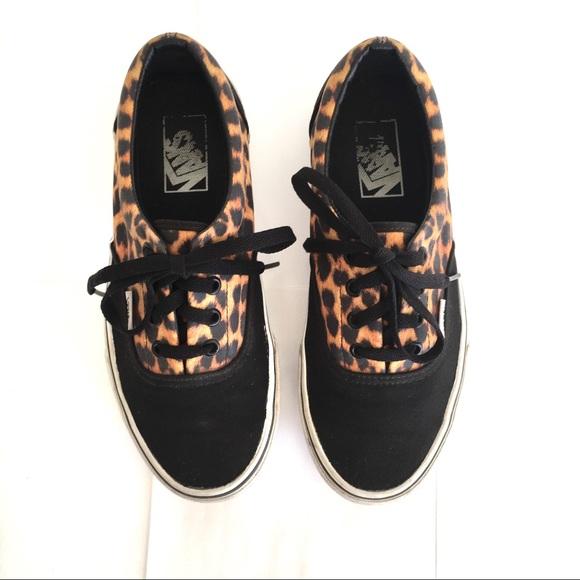 4ae724da2c LIKE NEW Vans  era  black leopard sneakers. M 5bd27f5b04e33d3ce15f3b69